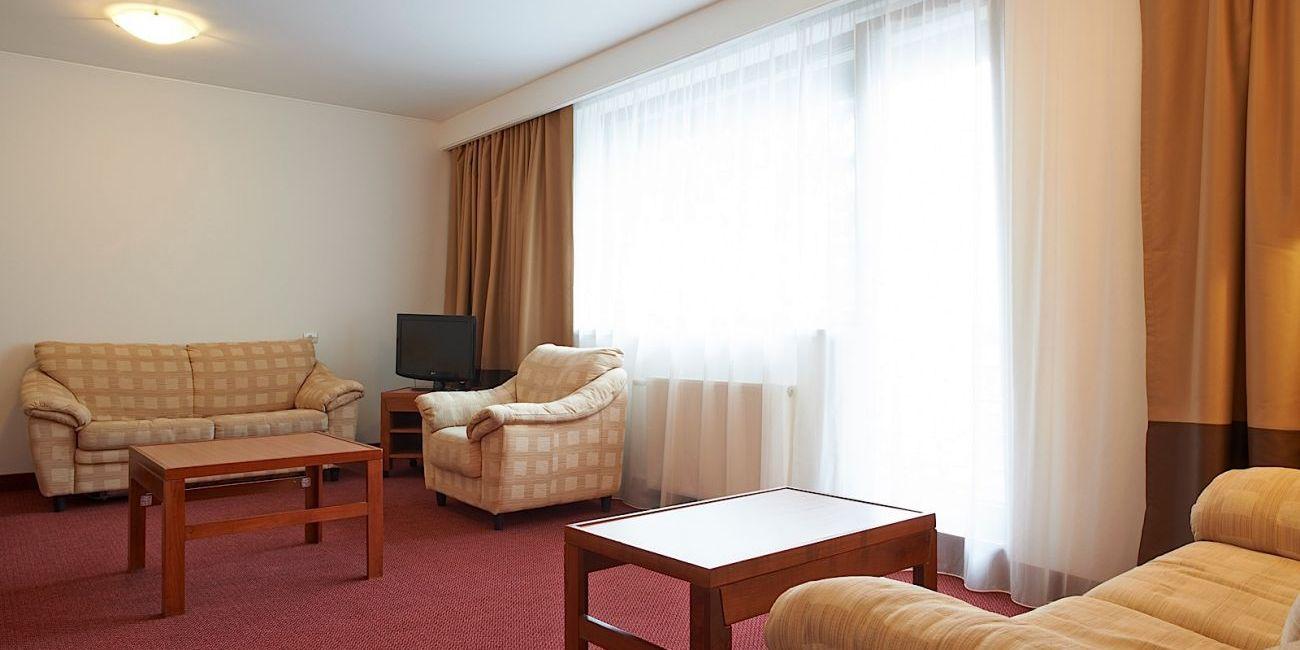 hoteluri de 5 stele in poiana brasov