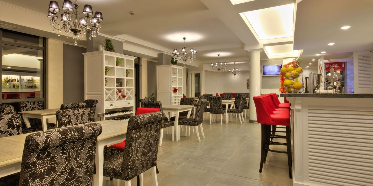 Hotel White Rock Castle 4*  Balchik