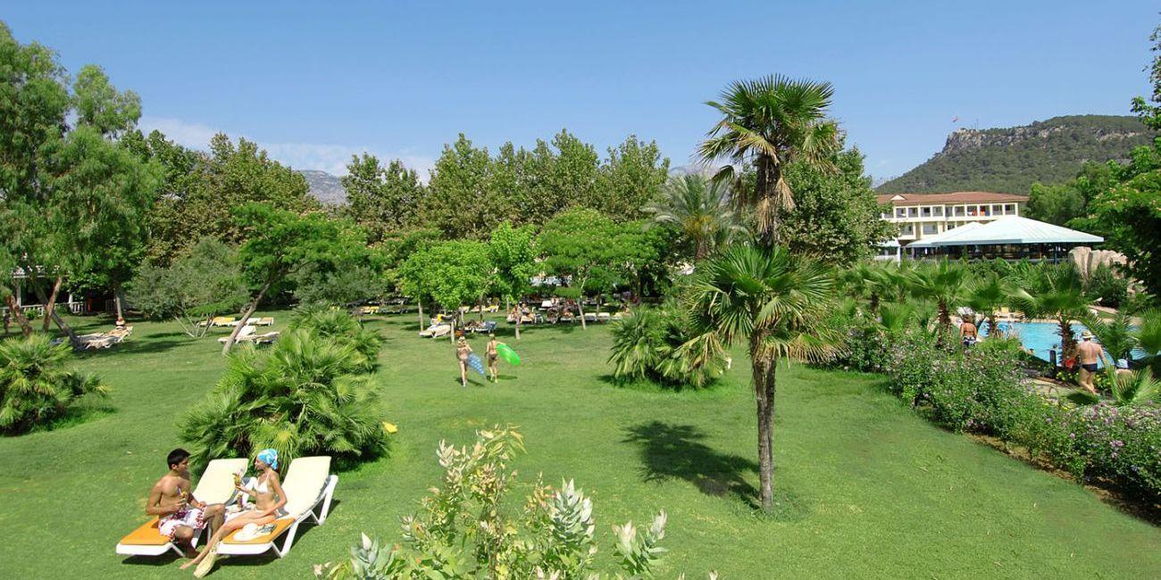Oferta litoral 2018 hotel queen 39 s park le jardin resort 5 for Jardin resort