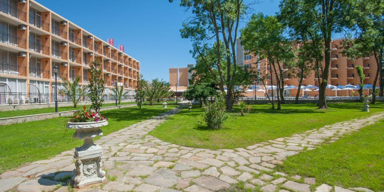Oferta Litoral 2018 Hotel Riva 3* Bulgaria Sunny Beach
