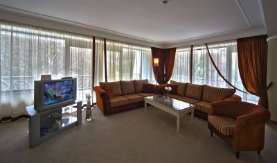 Oferta Revelion 2019 Hotel The Palace 5 Bulgaria Sunny Day