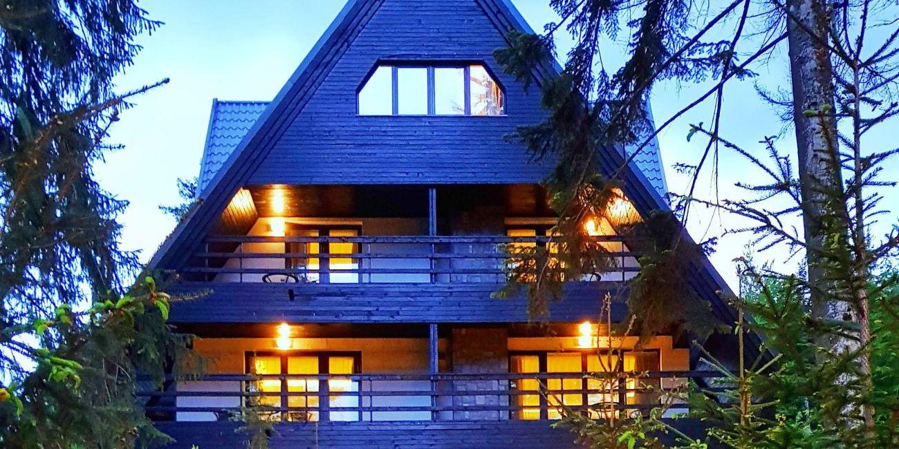 Oferta pentru Munte 2021 Hotel Smart 4* - Mic Dejun/Mic Dejun + Fisa Cont