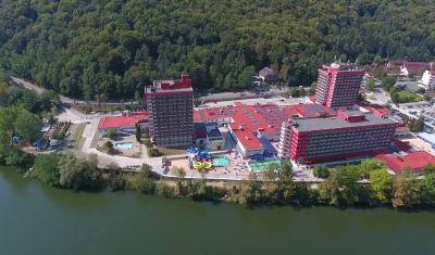 Oferta pentru Craciun 2019 Complex Balnear Cozia 3*-Corp Caciulata - Pensiune Completa