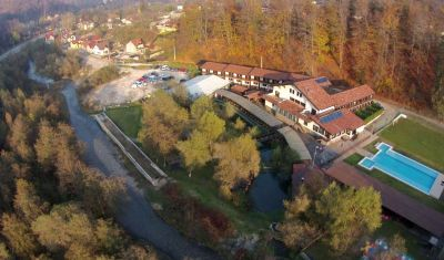 Oferta pentru Munte 2021 Hotel Domeniul Dambu Morii 3* - Mic Dejun/Mic Dejun + Fisa Cont