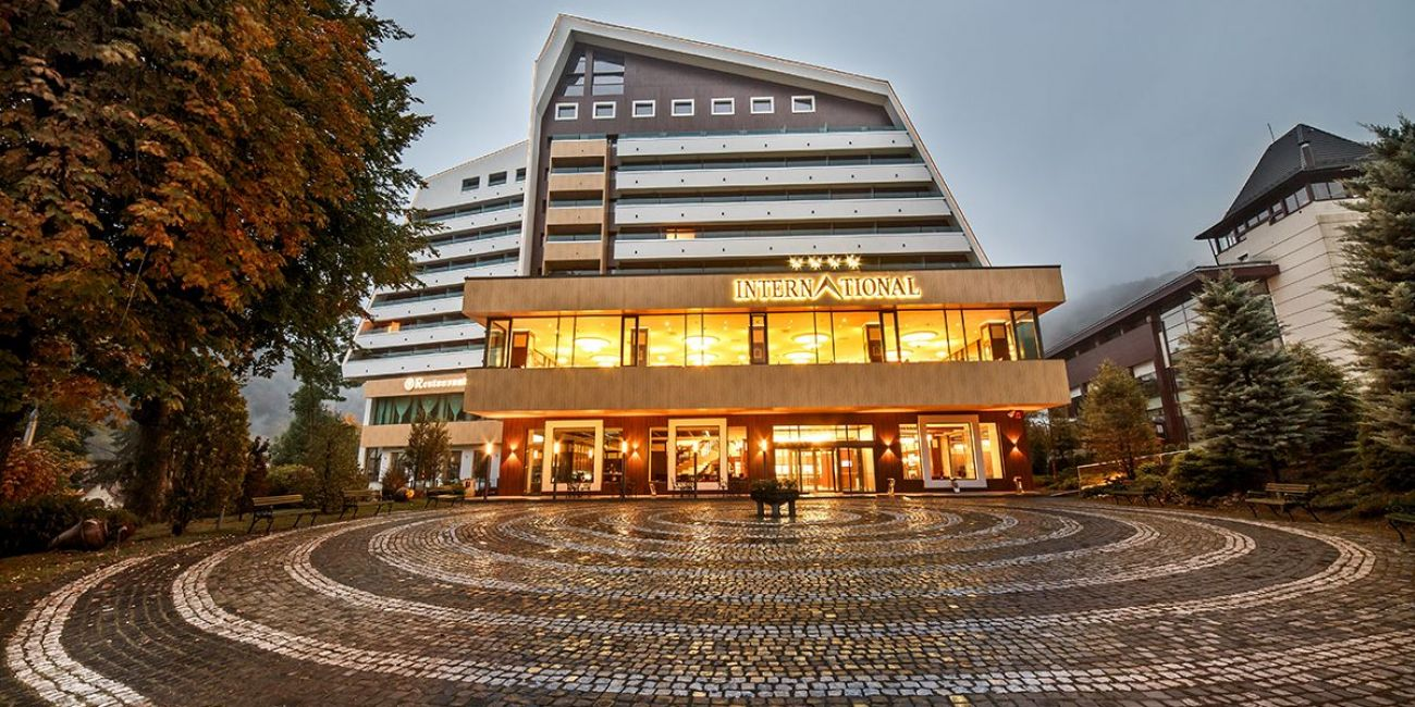 Oferta pentru Munte 2018 Hotel International Sinaia 4* - Mic Dejun/Demipensiune/Pensiune Completa
