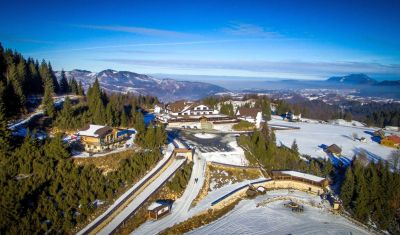 Oferta pentru Craciun 2018 Cheile Gradistei Resort Fundata 3* - Mic Dejun