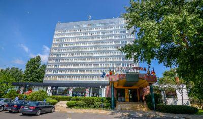 Oferta pentru Litoral 2019 Hotel Perla 3* - Mic Dejun/Demipensiune