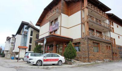 Oferta pentru Munte Ski 2019/2020 Hotel Family Pirina Club 3* - Mic Dejun/Demipensiune