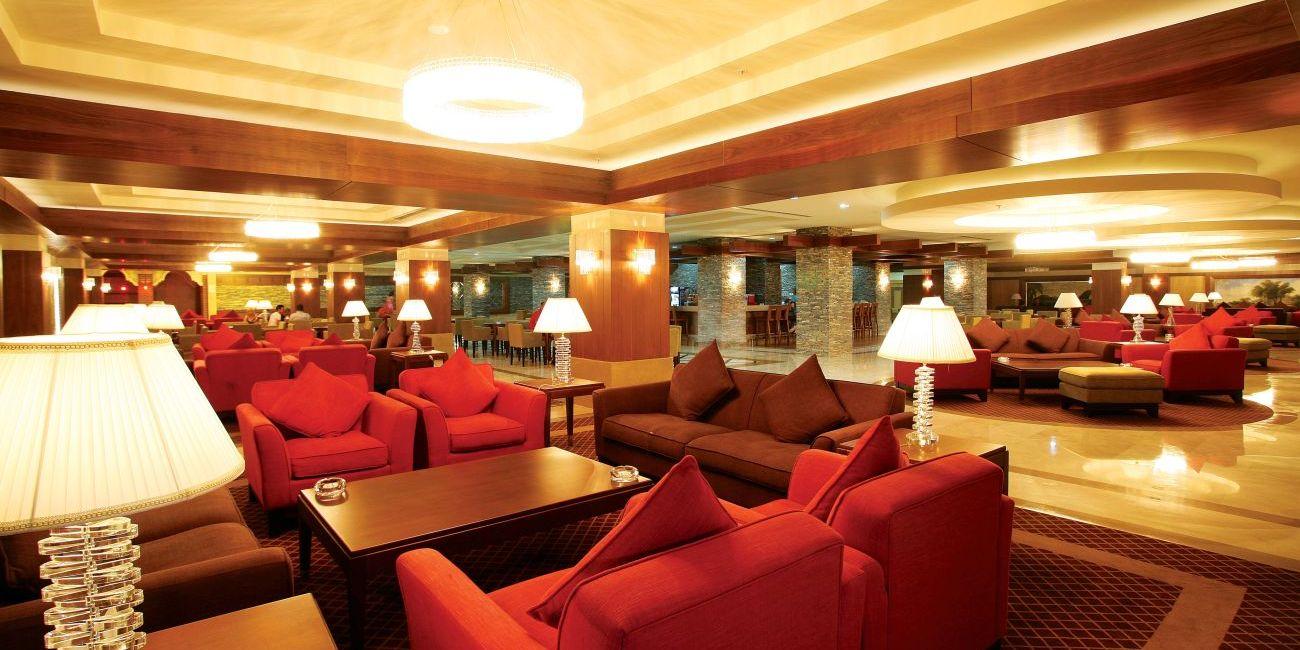 Hotel din belek turcia for Salon familial