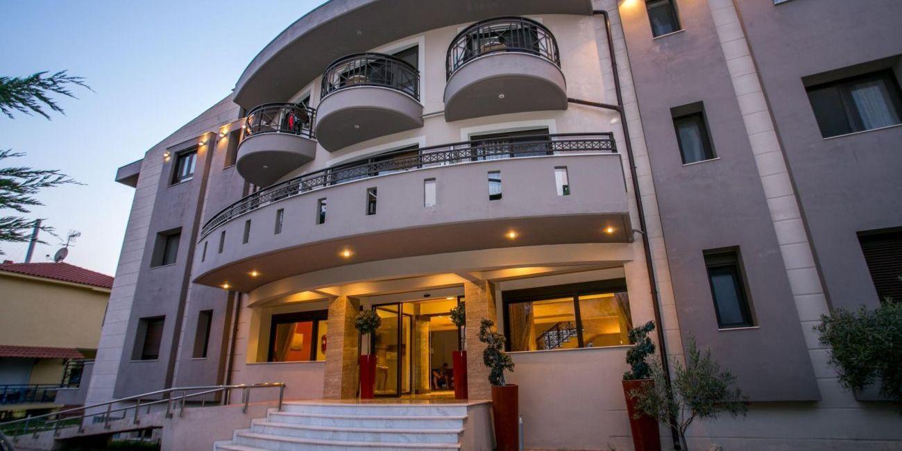 Oferta pentru Paste si 1 Mai 2019 Hotel Thalassies Nouveau 3* - Demipensiune
