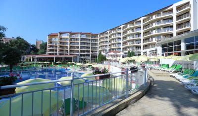 Oferta pentru 1 Mai 2020 Hotel Smartline Madara Park 4* - All Inclusive