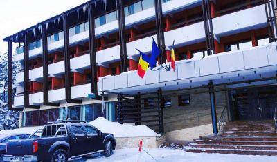 Oferta pentru Munte 2021 Hotel Carpati 3* - Mic Dejun/Mic Dejun + Fisa Cont