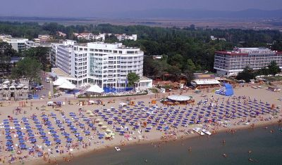 Oferta pentru Litoral 2018 Hotel Grand Victoria 4* - All Inclusive