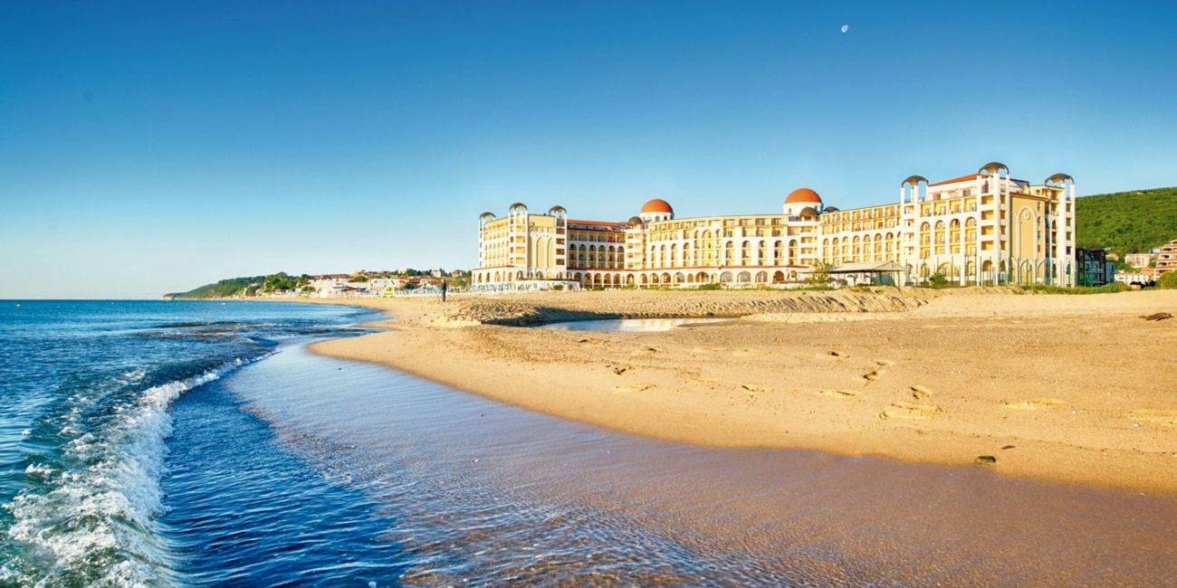Oferta pentru Paste si 1 Mai 2019 Hotel Riu Helios Bay 4* - All Inclusive