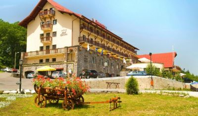 Oferta pentru Paste  2020 Hotel Rozmarin 4* - Demipensiune Premium