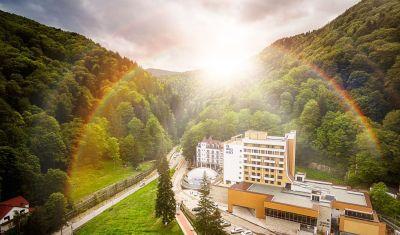 Oferta pentru Craciun 2018 Hotel Perla 4* - Demipensiune