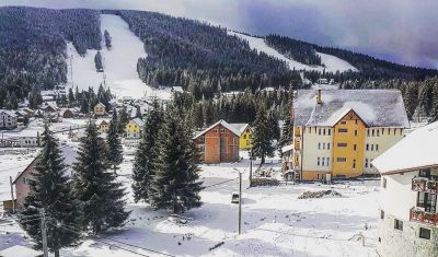 Oferta pentru Revelion 2019 Hotel Aries 3* - Pensiune Completa
