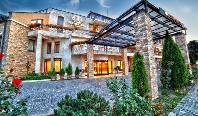 Oferta pentru Munte 2021 Hotel Cavaler 4* - Mic Dejun