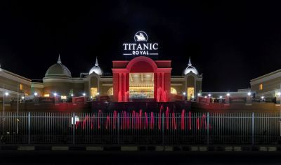 Oferta pentru Litoral 2021 Hotel Titanic Royal 5* - All Inclusive